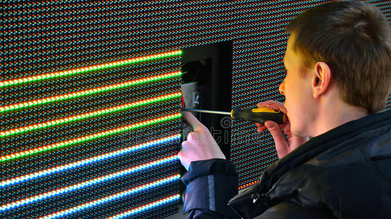 4 Steps to Guide You How to Check the Abnormal Display of The LED Display