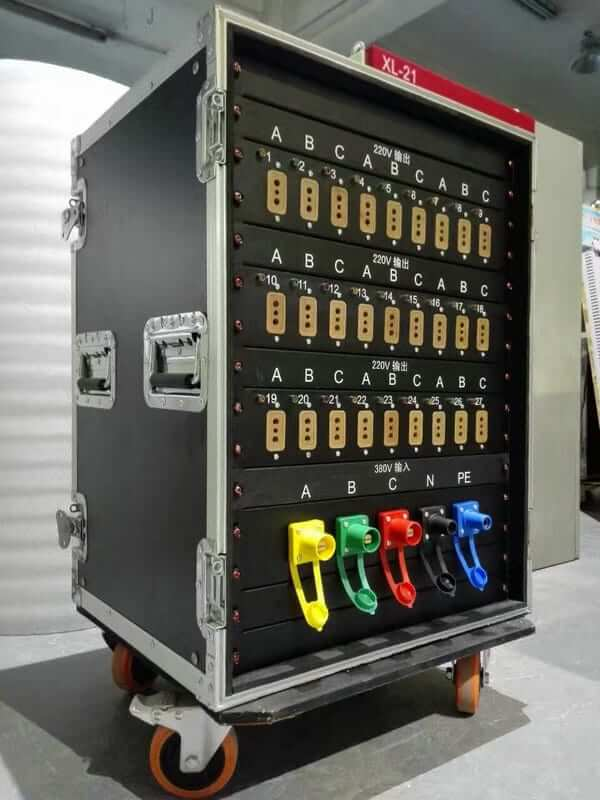Portable-power-distribution-box-for-rental-LED-screen_.jpg